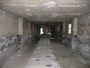 Auschwitz_Birkenau_Toiletten
