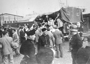 Round-up-of-Jews-in-Holland-many-if-whom-were-killed-in-Auschwitz-1