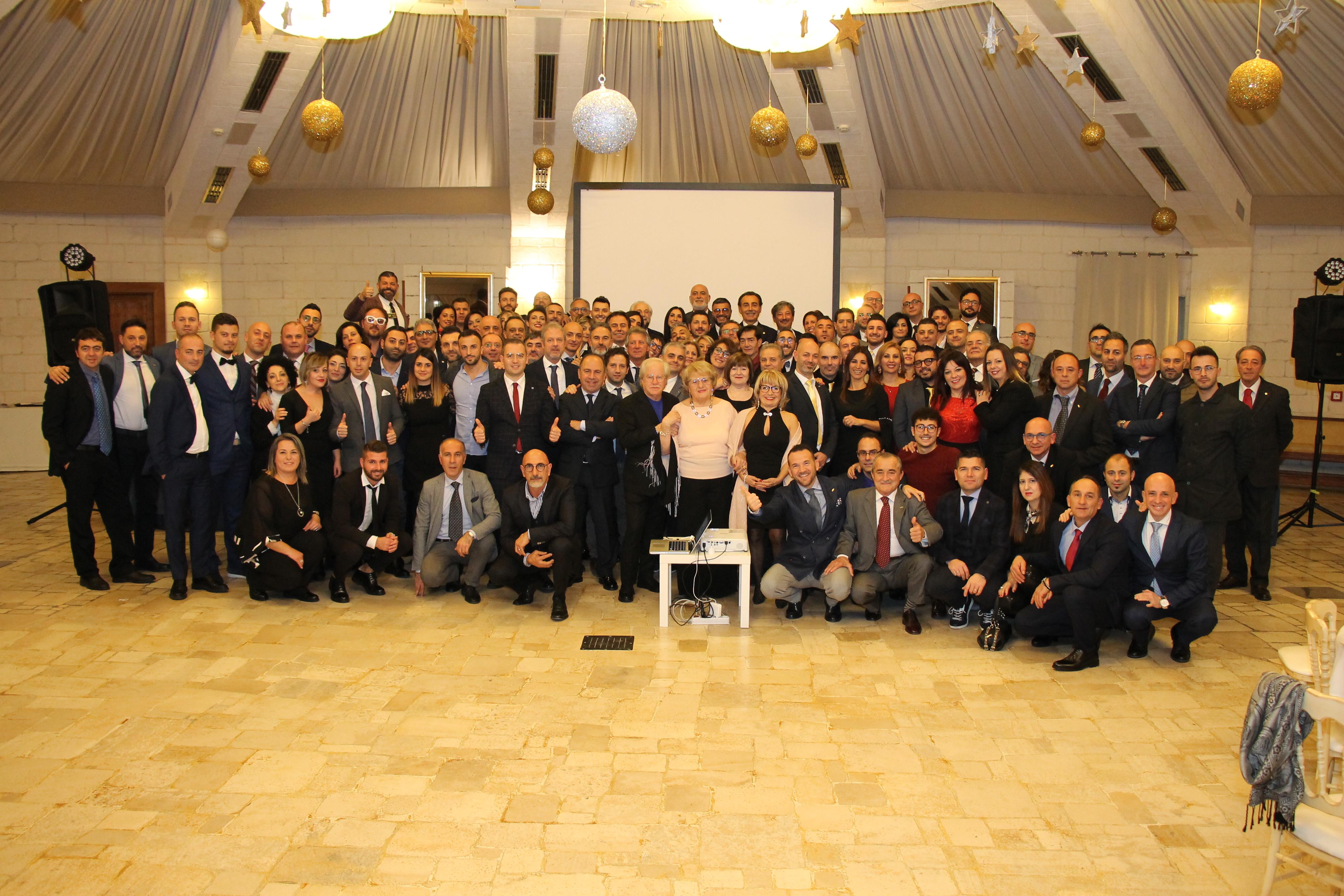 Matrimonio Natalizio Puglia : Straordinario meeting natalizio lavazza nims u micheletribuzio
